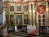 Kirkossa on paljon ikoneita