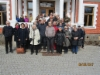 Ryhmäkuva Olustveren kartanolla