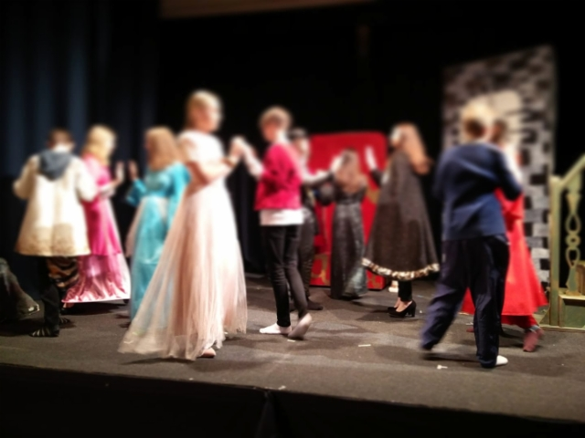 8-luokan näytelmä Prinsessa Ruusunen