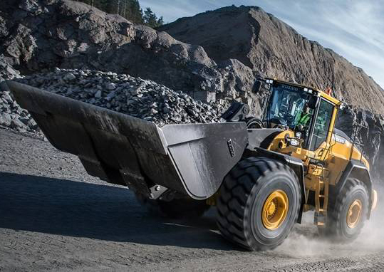 volvo-show-wheel-loader-l220h-2324x1200.jpg