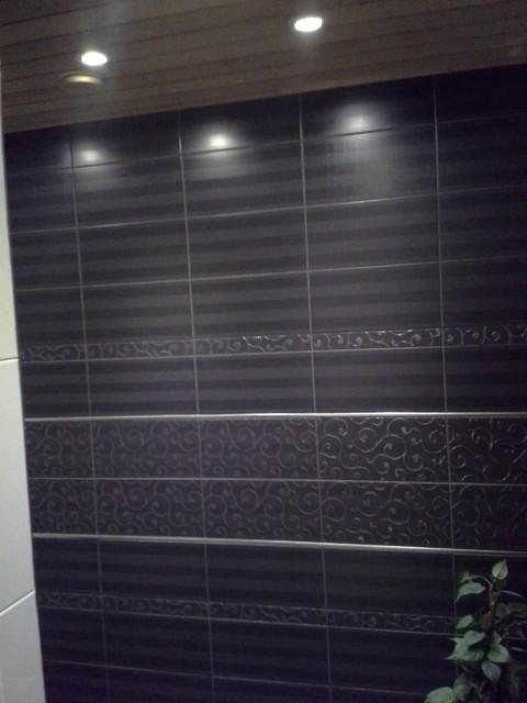 Pesuhuoneen seinä