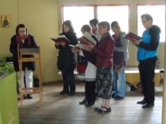 Rautalammin seurakunnan Nikolaos-kurolaisia oli saapunut liturgiaan.