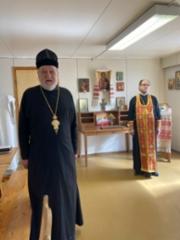 02 Arkkimandriitta Herman ja isä Martti Hänninen toimittivat yhdessä rukouspalveluksen töihinryhdyttäessä.
