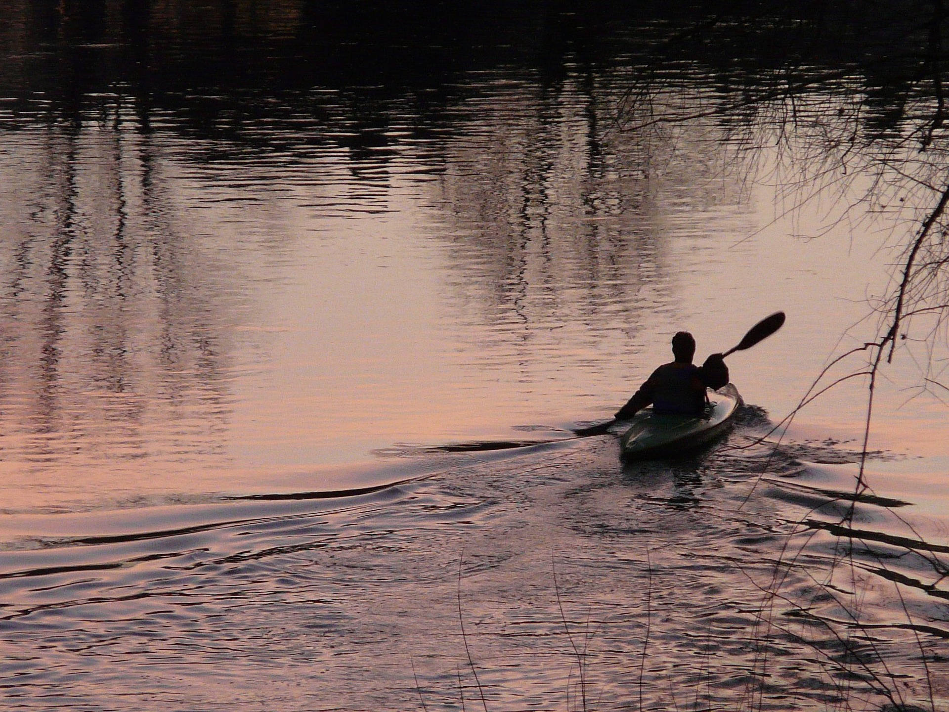 kayakers-3941_1920.jpg