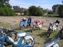 pekanpaivat_mopedi_moottoripyoranayttely_1.7.2006_43