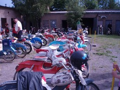pekanpaivat_mopedimoottoripyoranayttely_30.6.2007_031