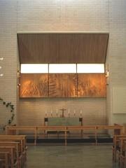 kirkko alttari ja alttaritaulu