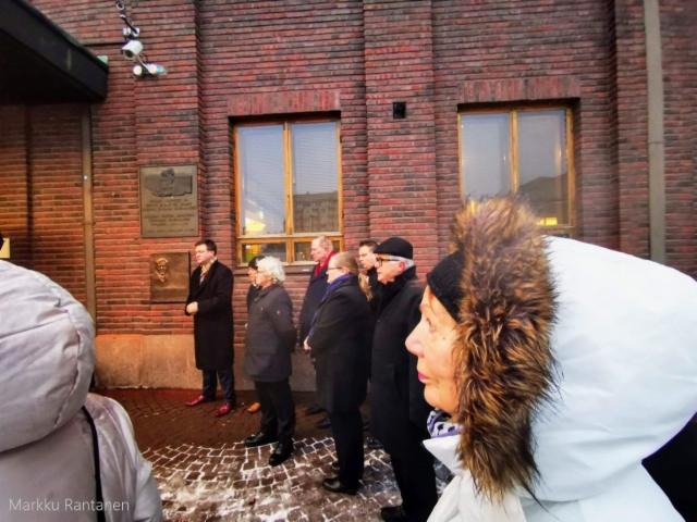 Ville Skinnari, Reijo Huttu, Paavo Lipponen ja yleisöä.