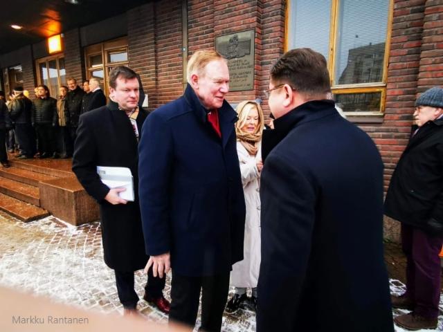 Ville Skinnari, Paavo Lipponen ja Tertta Saarikko.