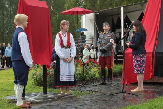 31_evakkopatsas_lahti_paljastustilaisuus_sanni_grahn-laasonen_kansanedustaja