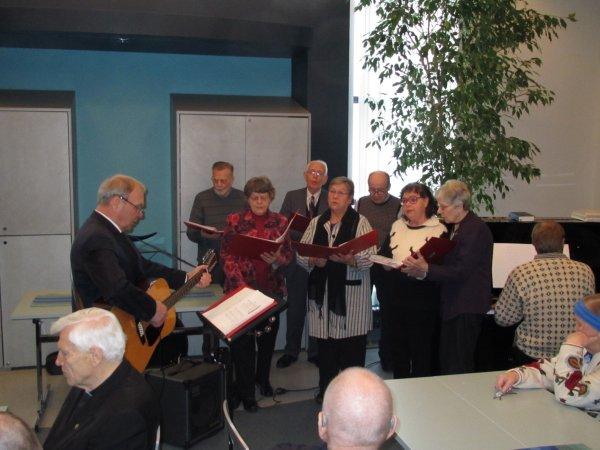 Katukoori laulaa Paavo Moilasen johdolla
