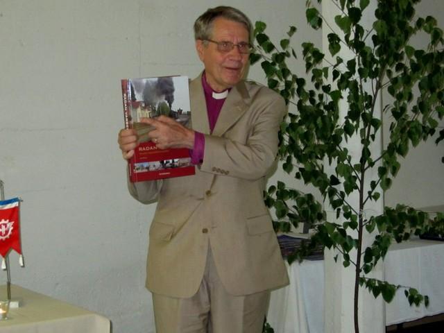 Piispa Kortekangas esitteli paikkaa, jossa hän on syntynyt, omassa puheenvuorossaan