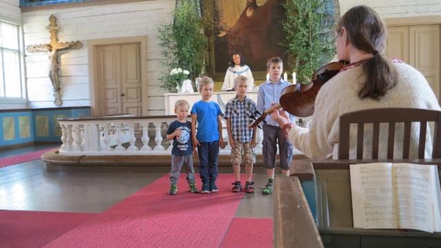 Vastausmusiikissa lapset lauloivat