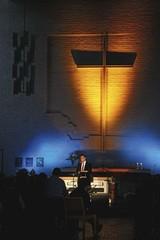 Viktor Klimenko ''Aurinko laskee länteen''.