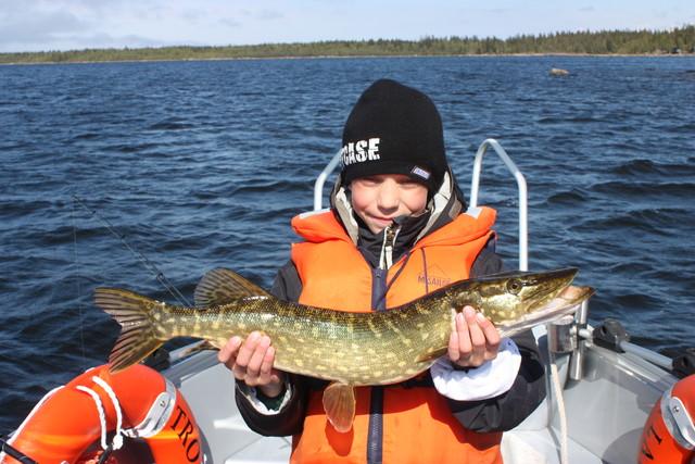Tyytyväinen kalamies