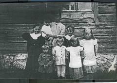 Ahtisen lapset kesällä 1921