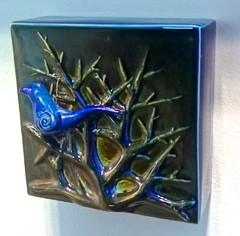 Lintu sininen | Blue Bird | reliefi | relief | posliini | 2013 |