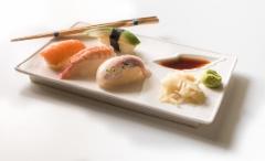 Uutuus 2016 | Sushilautanen Siipi-syvennyksellä | Sushi plate with a Wing dip | Photo, Peter Forsgård