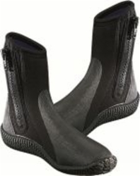 107_boots_with_sole_small.jpg&width=140&height=250