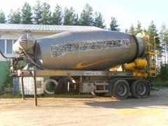 kumlin_liebherr_betonipuoliperavaunu myyty vko 35/2012