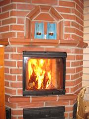 Takkatuli lämmittää