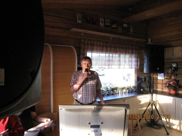 Karaokelaulaja