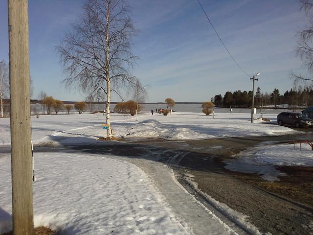 Alakentällä lunta