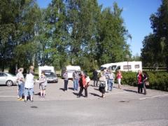 Lasimuseon pihalla Riihimäellä På glasmuseetsgård i Riihimäki