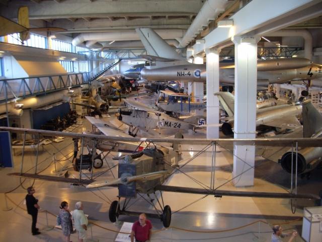 Keski-Suomen ilmailumuseo Tikkakoski Flygmuseet i Tikkakkoski