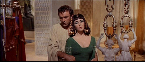 800px-1963_cleopatra_trailer_screenshot_24.jpg