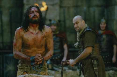 jim-caviezel-in-the-passion-of-the-christ-600x395.jpg