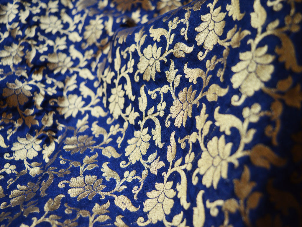 Sininen silkki kukkia