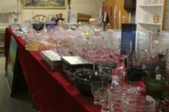 Lasitavaraa ja astioita