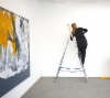 Sirpa Häkli, näyttelyä rakentamassa | Installing exhibition | Galleria G, 2019 (a)