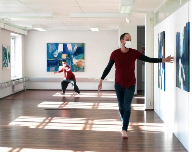 Sirpa Häklin taiteilijatapaaminen ja Kivi&Nosto -kollektiivin performanssi Teijon Masuunin galleriassa (3)