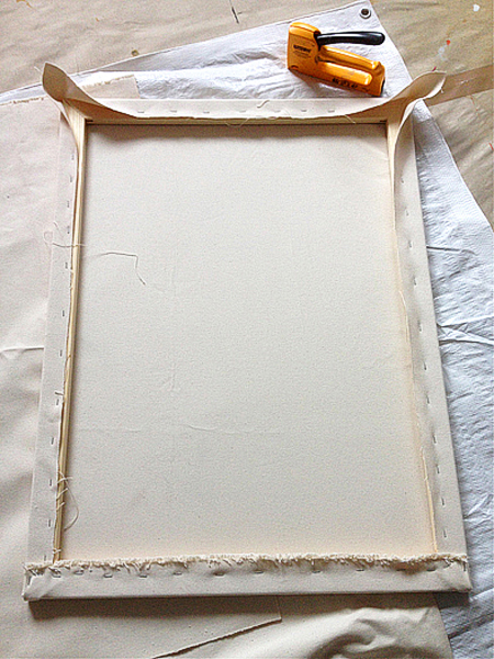 Hakli_Sirpa_making_new_canvas_7_2015_web.jpg
