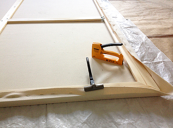 Hakli_Sirpa_making_new_canvas_8_2015_web.jpg