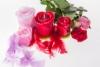 roosat_ja_punaiset_ruusukynttilat