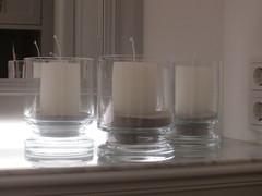Kynttilöitä vieraskylpyhuoneessa