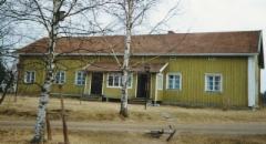 Kuvan takana lukee: Juvan pitäjän Vehmaan kylän Jaakkolan päärakennus 1989