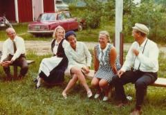 Sukukokouksessa 1969 Jaakkolassa vas Osmo Lipsanen, Armi Lipsanen, Hilkka Lipsanen, Toini Lipsanen, Antti Lipsanen