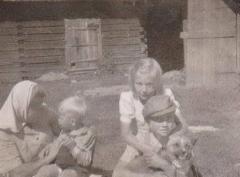anja_viljo_ja_tyyne_1946