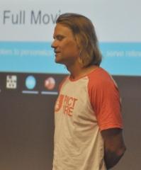 Janne Lipsanen ihastutti osanottajia vauhdikkaasti ja lupasi tulla sukukokoukseen toistekin