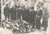 Airi Kantanen: tässä olemme Ada Hännisen hautajaisissa 18.1.1980 mina ja veljeni Veikko vasemmalla