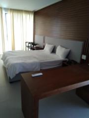 Terho ja Anita Lipsonen Vietnamisa 2020 hotellihuone