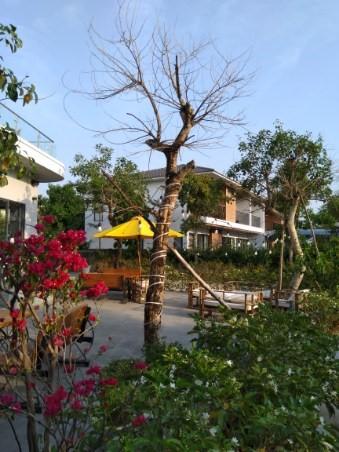 Terho ja Anita Lipsonen Vietnamissa 2020 - hotellialuetta