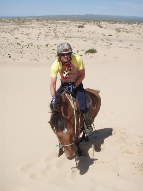 Ratsastamassa Mongoliassa