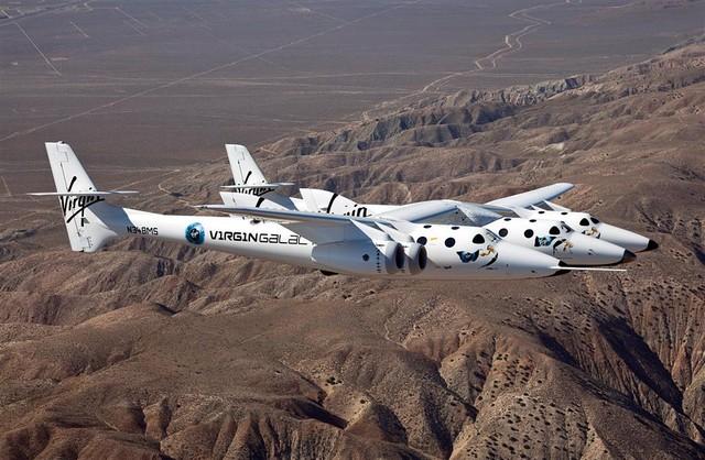 vss-enterprise-in-flight-over-mojave-ca (large)