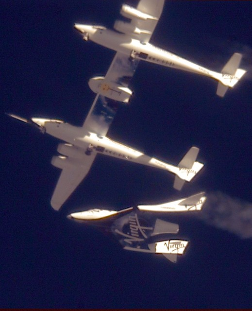 spaceshiptwo10102010_glide00