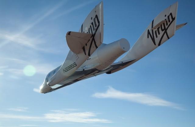 spaceshiptwo10102010_glide02